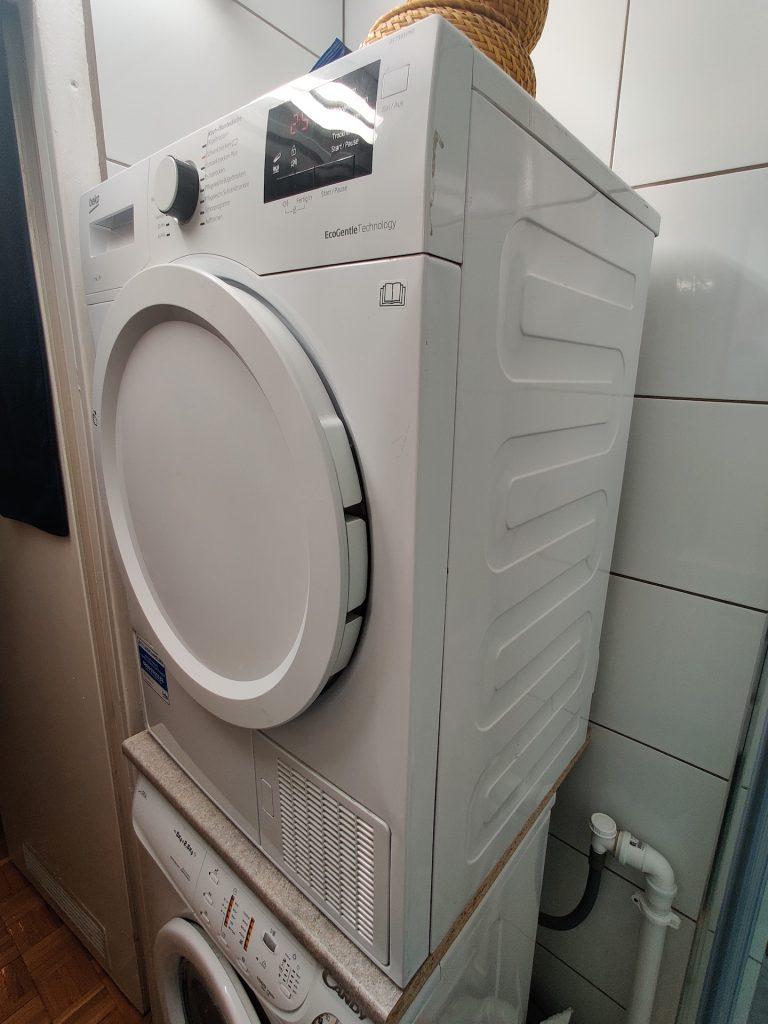 suszarka automatyczna do ubrań na pralce